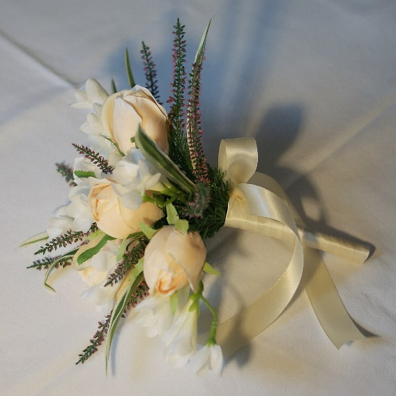 Pale peach rose replica bouquet