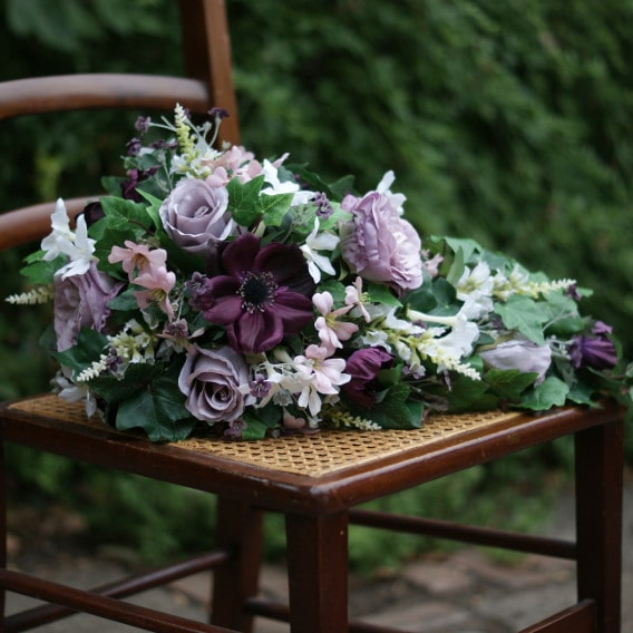 Plum and pink trailing bouquet