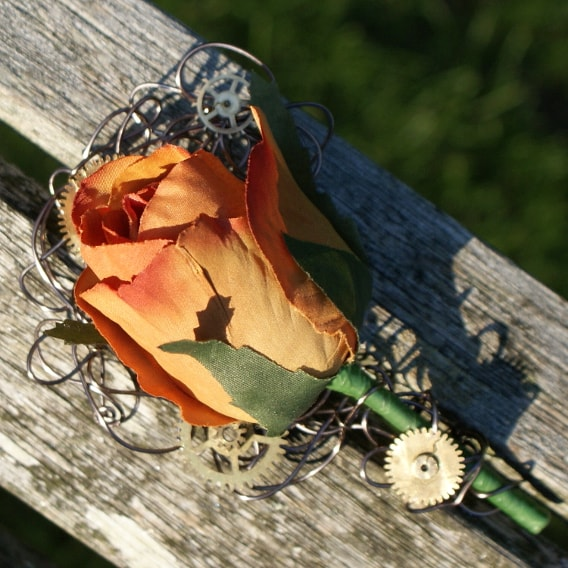 Buttonhole with cogs